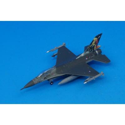 オランダ空軍 第323飛行隊 65周年記念塗装機 F-16AM (1/200スケール ダイキャスト 556064)の商品画像
