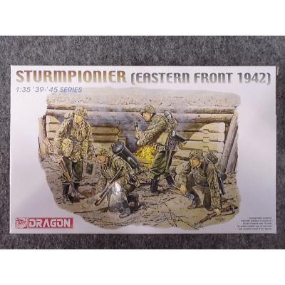 WW.II ドイツ武装親衛隊 突撃工兵 東部戦線 1942 (1/35スケール DR6146)の商品画像