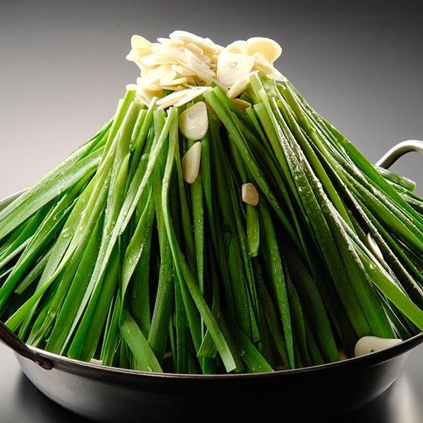 カットニラ もつ鍋の野菜の主役「ニラ」。シャキシャキした歯応えが絶品の厳選素材です。|400804|02