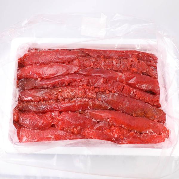 送料無料 ウロコボシ 紅鮭筋子 コク醤油味 2kg【凍】/ 業務用 筋子  / 切れ子タイプか一本ものタイプのどちらかメーカー次第になります