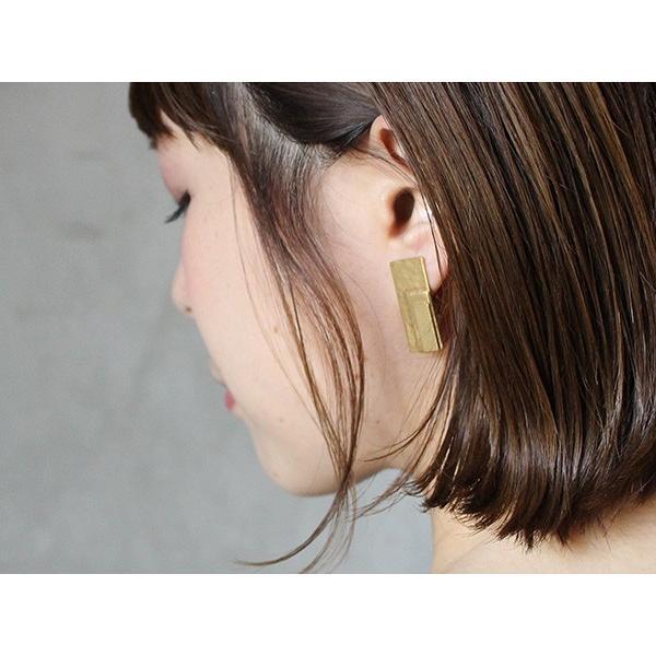 アンフォルド イヤリング レイヤー レクタングル 『イヤリング 模様 真鍮 gold ゴールド 大人女子 きれいめ カジュアル 四角 日本製』