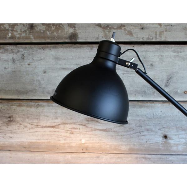 ソーホーフロアランプ(ブラック 電球なし) シャープで無骨なインダストリアル系フロアランプ|a-depeche|04