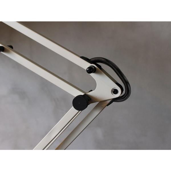 スネイルデスクアームライト(LED) Snail desk arm-light(LED) 無駄のないシンプルなデザインのデスクライト|a-depeche|05