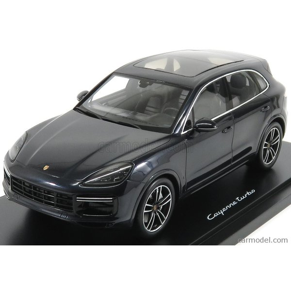 Porsche Cayenne Turbo S 2014 car model in scale 1:18 green