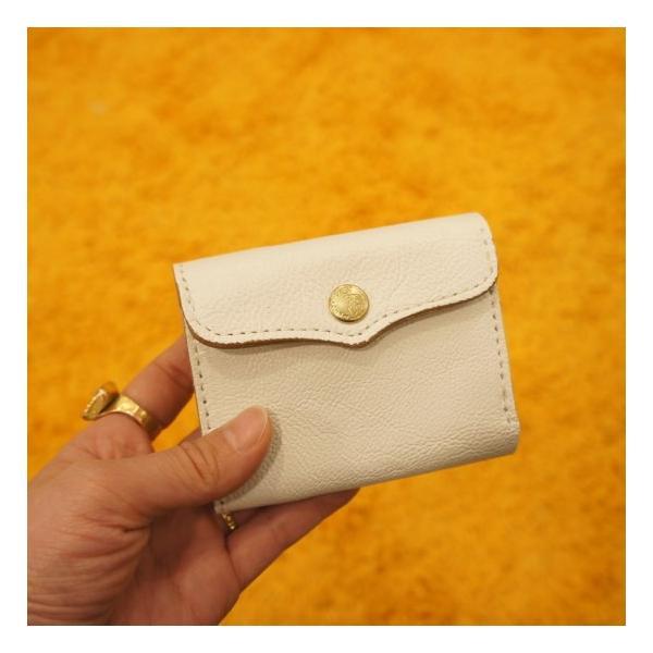 SARANAM(サラナン) ゴートコンパクト3つ折り財布 ホワイト