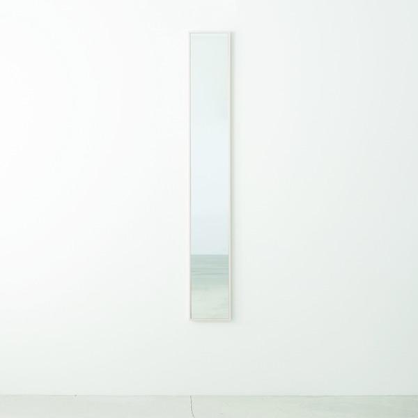 細枠ウォールミラー お洒落 幅22cm ホワイト 白 天然木 姿見鏡 スリム 高級感 北欧風 完成品 飛散防止加工 木製 壁掛け NK5 日本製 割引も実施中