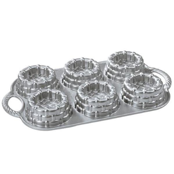 ノルディックウエア ノンスティック ベーキングパン ショートケーキ バスケット型 6カップ Nordic Ware Cast-Aluminum Nonstick Baking Pan, Shortcake Baskets