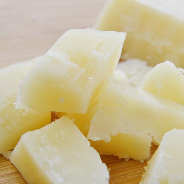 パルミジャーノ レジャーノ  チーズ 約180g前後 イタリア産 ナチュラルチーズ  クール便発送  Parmigiano Reggiano Cheese チーズ料理 パスタ料理
