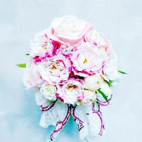 造花・アートフラワー ピンクの薔薇のラウンドブーケ