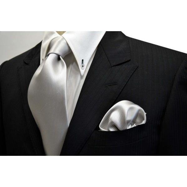 無地(縦ライン)/シルバーグレーのソリッド(無地)ネクタイ&チーフセット(チーフ30cm) / 結婚式・披露宴・フォーマル・礼装/CS-SO002 allety