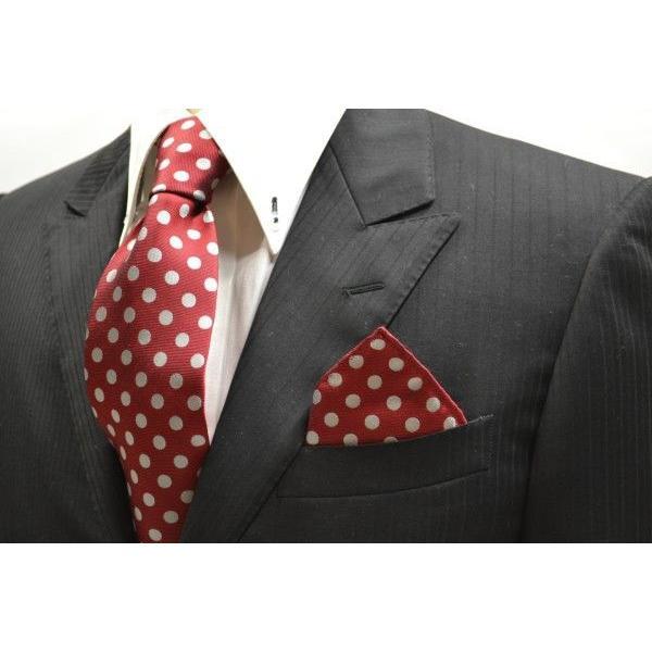 濃いレッド(赤)に生成りのドット柄ポケットチーフ(チーフ23cm) / PCN-MZ011|allety|03