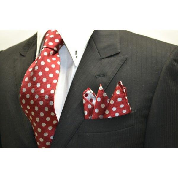 濃いレッド(赤)に生成りのドット柄ポケットチーフ(チーフ23cm) / PCN-MZ011|allety|04