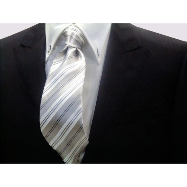 シルバーグレー地にグレーと白のストライプネクタイ / 結婚式・披露宴・フォーマル・礼装/ST076 allety