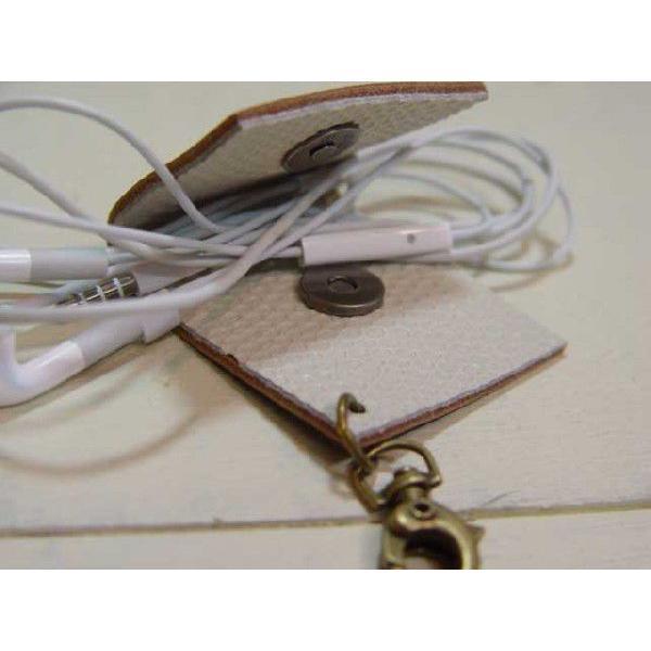 レザーイヤホンホルダー ブラウン スマートフォンケース・携帯オーディオプレーヤー用