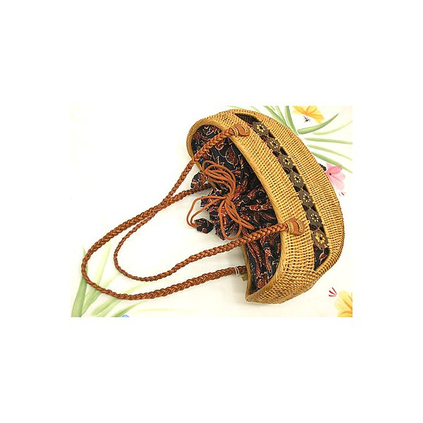 アタバッグ ショルダー ship M ココナッツの飾り 編込革紐 茶と紺のバティック アジアン雑貨 バリ雑貨 タイ雑貨 エスニック
