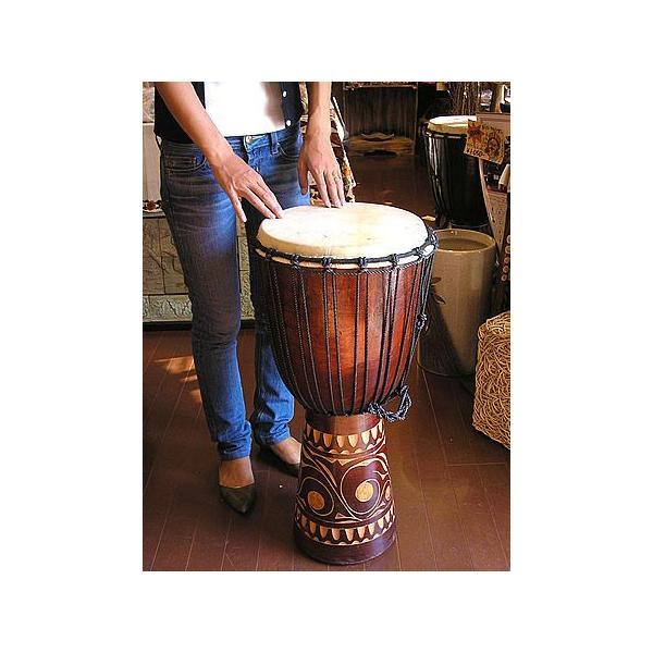ジャンベ 太鼓 H.70cm 手彫り模様 ブラウン アジアン雑貨 バリ雑貨 アジアの楽器