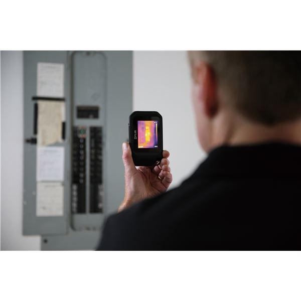 暗視スコープ | 赤外線サーモグラフィー(熱画像装置) コンパクトポケットサイズ スーパーファインコントラスト搭載 フリアーC2