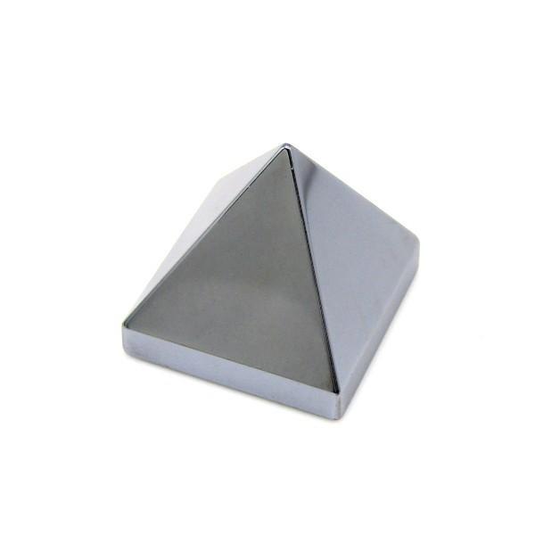 高純度テラヘルツ ピラミッド 2.7mm×2.7mm×2.5mm|arnavgems