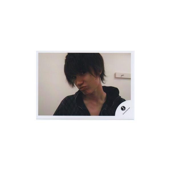 ジェシ―(sixTONES) 公式生写真/衣装黒・カメラ目線・口閉じ|arraysbook
