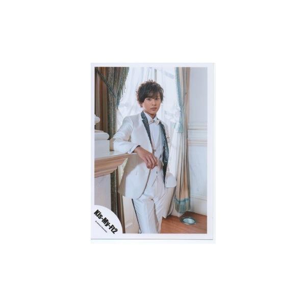 藤ヶ谷太輔(Kis-My-Ft2/キスマイ) 公式生写真/君のいる世界・衣装白×グレー・カメラ目線・口閉じ|arraysbook