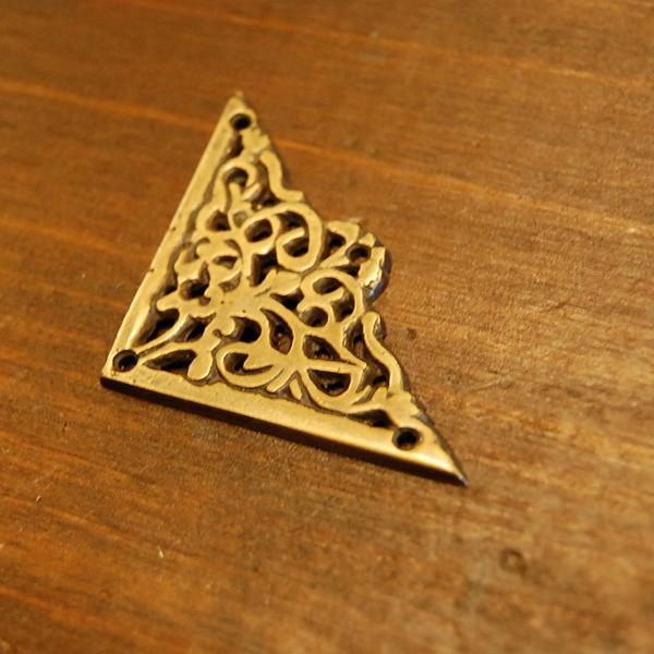 ブラス飾り 角飾り 真鍮金具・インドネシア直輸入・インテリアパーツ・古色仕上げ DIY 家具部品 artcrew 02