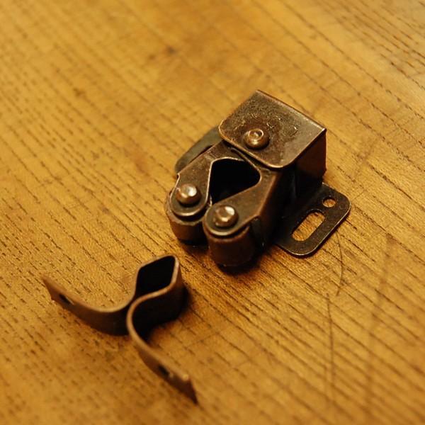 ブラス錠前393 真鍮製ローラーキャッチ・・・インドネシア直輸入・インテリアパーツ・古色仕上げ|artcrew