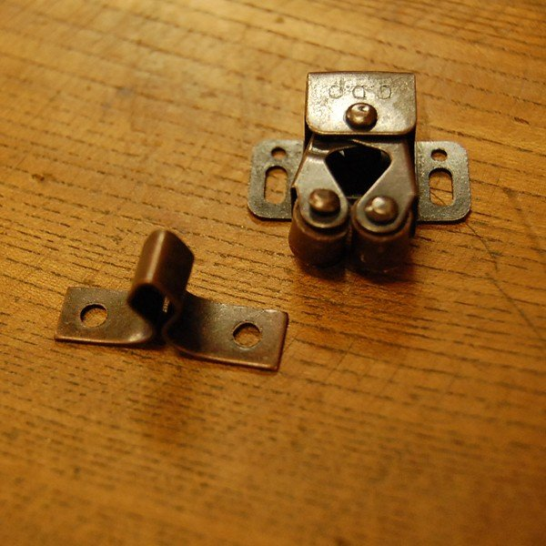 ブラス錠前393 真鍮製ローラーキャッチ・・・インドネシア直輸入・インテリアパーツ・古色仕上げ|artcrew|03
