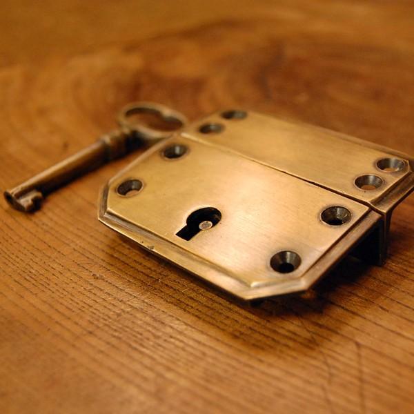 真鍮製鍵セット597 真鍮金具 ブラス Box鍵 インドネシア直輸入・インテリアパーツ・古色仕上げ DIY 日曜大工 手作り家具 部品|artcrew|02