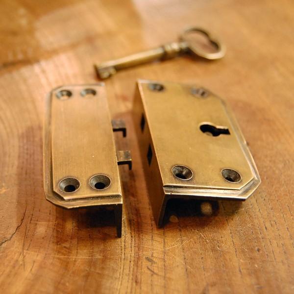 真鍮製鍵セット597 真鍮金具 ブラス Box鍵 インドネシア直輸入・インテリアパーツ・古色仕上げ DIY 日曜大工 手作り家具 部品|artcrew|04