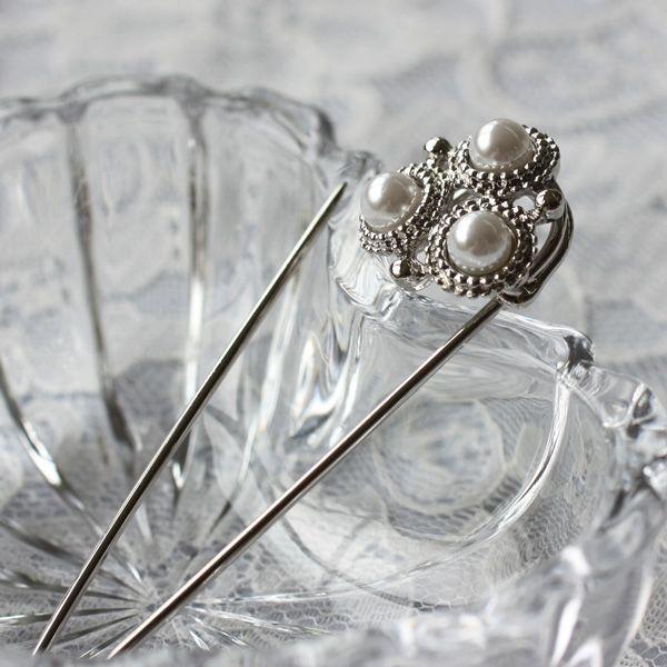 レトロテイストが人気の秘密、飾りが豪華なキルトピン(パールタイプ)