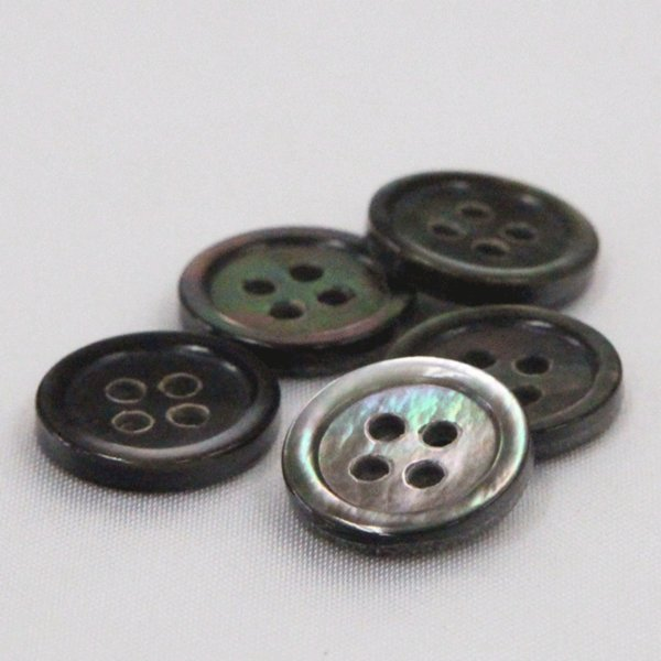 貝ボタン (黒蝶貝) 15mm 1個入 天然素材 SB17 (シャツ・ブラウス・ジャケット・スーツ袖向) ボタン 手芸 通販