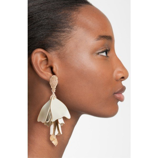 オスカー デ ラ レンタ ピアス&イヤリング アクセサリー レディース Oscar de la Renta Large Impatiens Flower Clip Earrings Metallic Gold