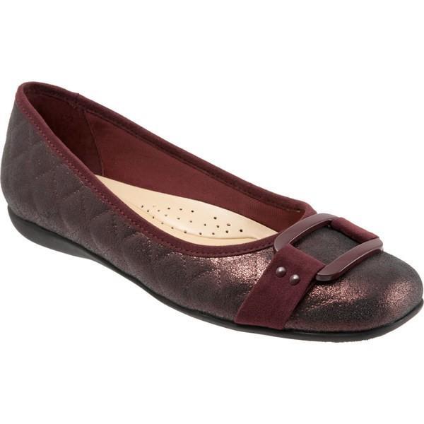 トロッターズ レディース サンダル シューズ Sizzle Signature Flat Burgundy Quilted Leather