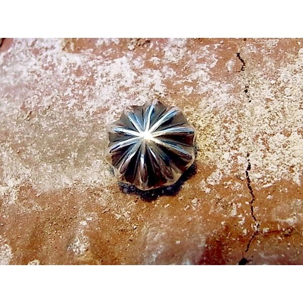 コンチョ ボタン シルバー sv950 ワンポイント デザイン レザーアイテム 髪留め ネジ ドットボタン 064