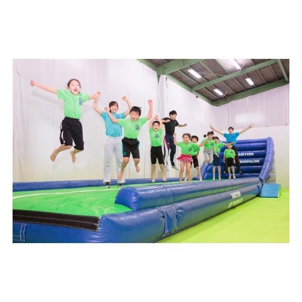 エアートランポリン ストレート6m 送風機つき 空気式 大型 エアトラ 体操教室 遊戯施設 商業施設向け エアー遊具 ふわふわ遊具 バックヤード|backyard-japan|09