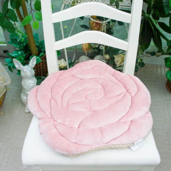 シートクッション もこもこ 薔薇型 ローズ ダイカット かわいい ピンク ベージュ 座席シート おしゃれ 薔薇雑貨|barazakkawithheart