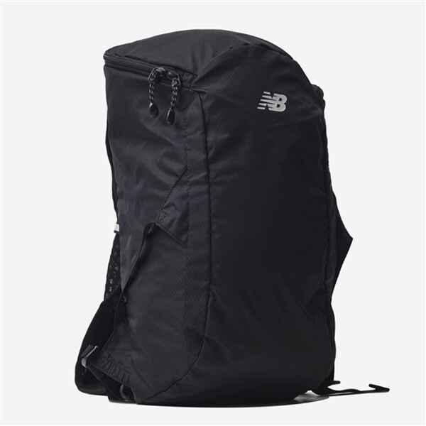 ニューバランスNEWBALANCEランニングバックパック12L カラー:ブラック  サイズ:W22×D15×H51cm(12L)