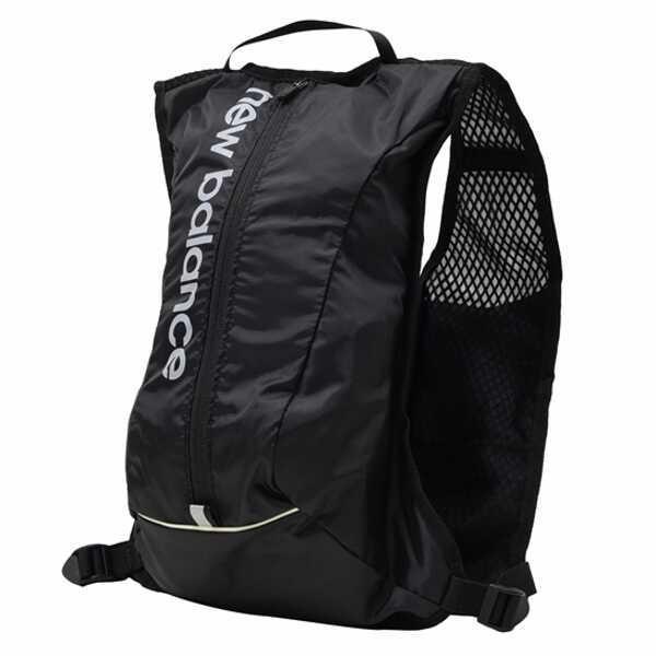 ニューバランスランニングバックパック6L カラー:ブラック  サイズ:24×38×12cm(6L) #JABR8156-BKNE