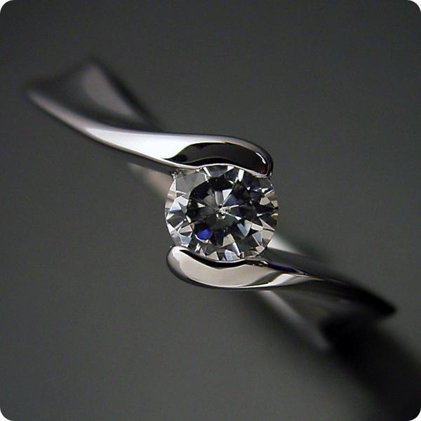 20万円婚約指輪エンゲージリング0.3ct一粒0.3カラットダイヤモンドブライダルジュエリープラチナ結婚指輪マリッジリング本当に美しいひねりの婚約