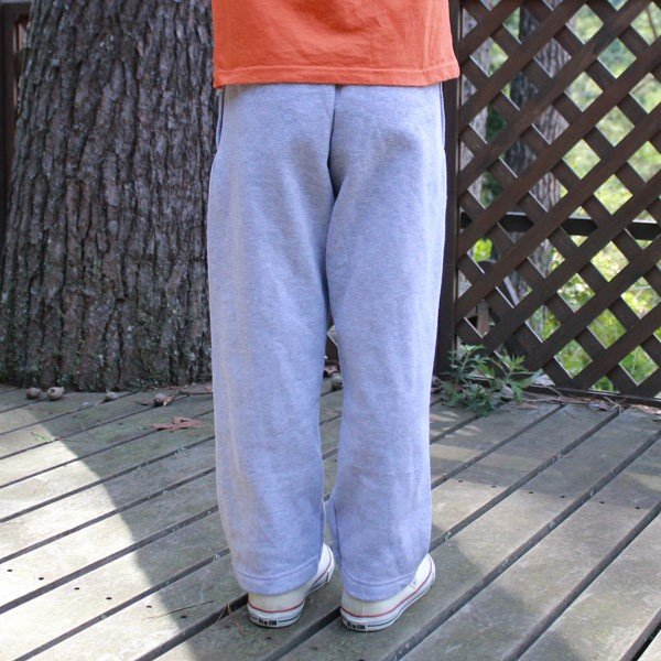 ヘインズ キッズ 無地 グレー スウェット パンツ Hanes US企画 輸入品 LIGHT STEEL Sサイズ(6/7) 120~130 アメカジ Kids 裏起毛 open leg pants|buddy-us-clothing|02