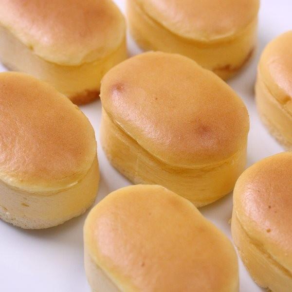 スフレチーズケーキ 10個入り 半解凍で食べると、ひんやりとしっとりが絶妙においしい♪|cake-tairiku|02