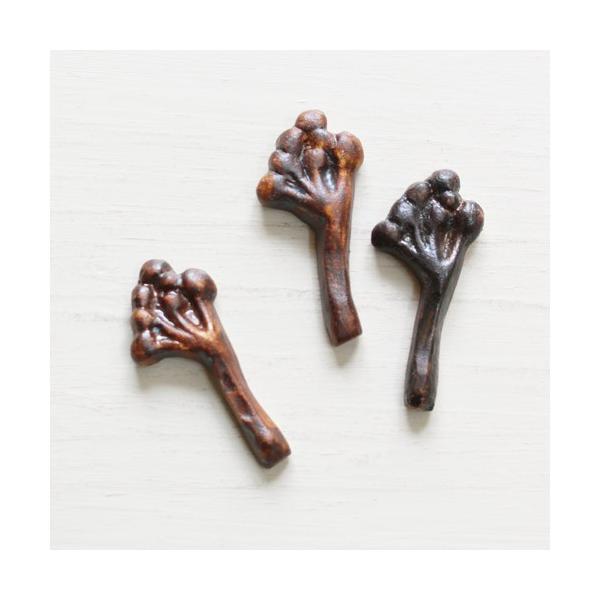 箸置き 木の実 植物 陶器 nakanaka 0126 ナチュラル おしゃれ|cayest