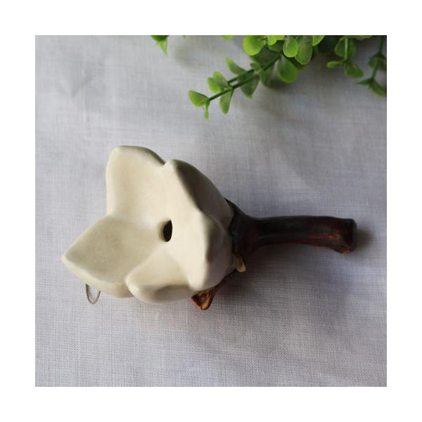 一輪挿し 壁掛け 花器 壁に飾る 白い花 花瓶 陶器 おしゃれ かわいい 手作り nakanaka
