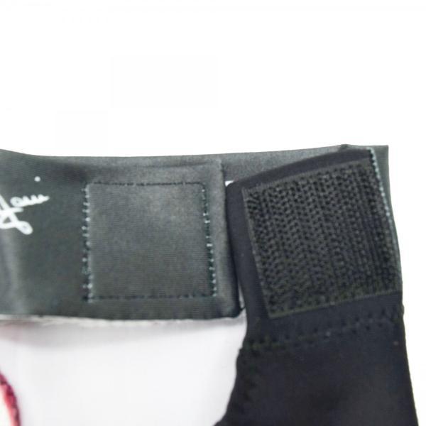 【ビリヤード用品】Longoni グローブ アニマル(クロコダイルピンク)左手着用 central-inc 03