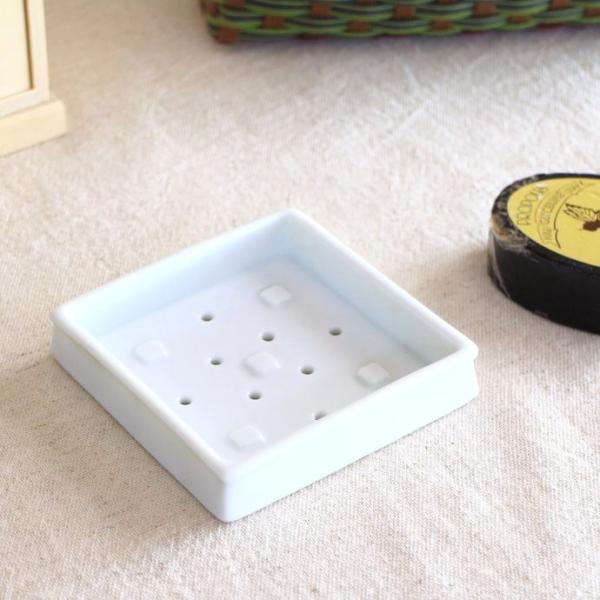 角型ソープディッシュ 石けん台 サニタリー 手洗い アクセサリー台 ソープケース 国産 瀬戸焼