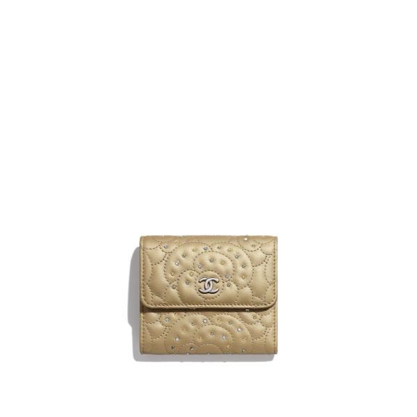 CHANEL(シャネル)『三つ折り 財布』