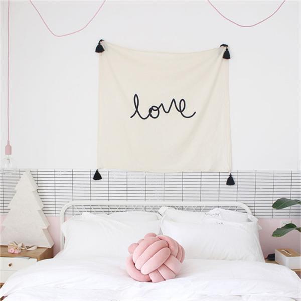 RoomClip商品情報 - 約70*70cm LOVEウォールフラッグ  ガーランド タペストリー タッセル付き ファブリックポスター 北欧 インテリア ベビールーム 子供部屋 プレゼント