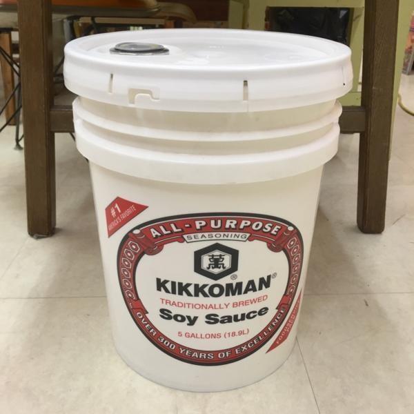キッコーマン バケツ 逆輸入 19L 5ガロン 蓋つき 醤油 ポリバケツ kikkoman インテリア ディスプレイ Soysauce|choppers