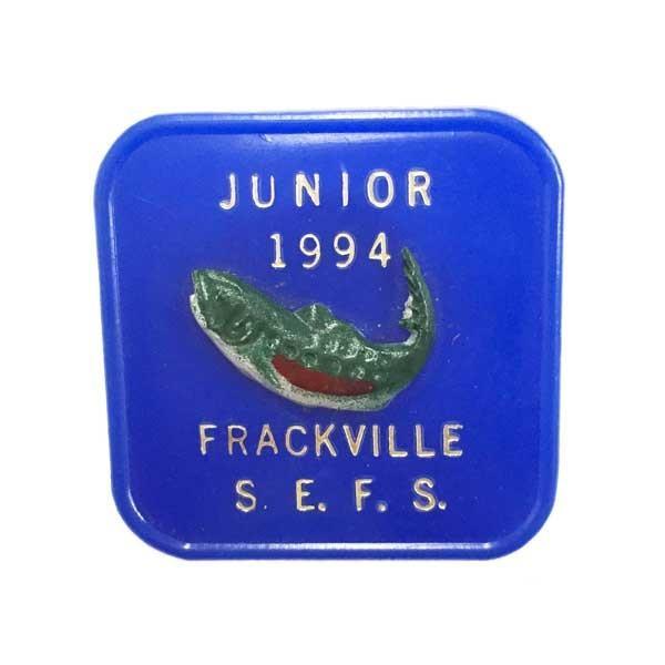 ヴィンテージ ライセンス バッジ FRACKVILLE S.E.F.S 釣り フィッシング ブラックバス アメリカン雑貨 アメ雑|choppers