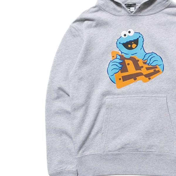 セサミストリート×ニューエラ キッズ スウェット フーディー クッキーモンスター フラッグロゴ グレー Sesame Street×New Era Kids Hoodie Cookie Monster cio 02